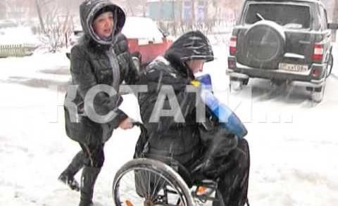 Тяжелее всего в снегопад приходится людям с ограниченными возможностями