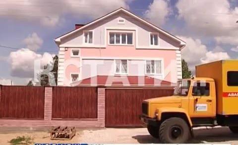Элитные дома с «майбахами» и многомиллионными долгами отключают от газа
