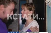 Смертельный номер — жительница улицы Рокоссовского повисла на балконе пятого этажа