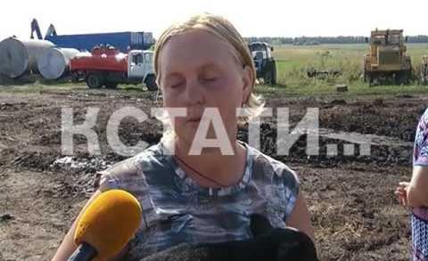 Отвергая обвинения в поджоге фермы, Андрей Климентьев с палкой бросился на журналистов