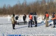 Последствия смертельного дрифта — спасатели не могут выловить машину, провалившуюся под лед