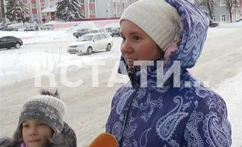 Школьников Воротынца в школе накормили кашей с червяками
