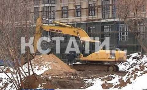 Он все больше проваливается — новые подвижки грунта в Почаинском овраге