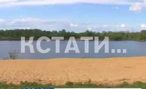 Пятнистая река — огромные нефтяные пятна появились на Волге