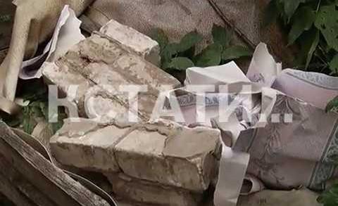 Рухнувшая стена жилого дома погребла под собой пенсионерку