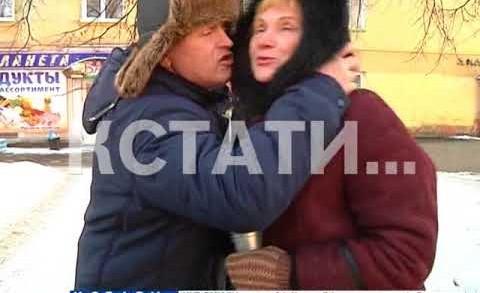 В Московском районе мужчины принимали горячие поздравления