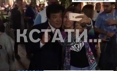 Нижегородского бизнесмена болельщики приняли за Джеки Чана