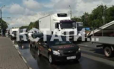 Запрещенная нагрузка — большегрузы игнорируют запрет выезжать на ремонтируемый Мызинский мост