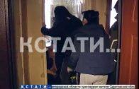 Кровная бойня — руганью и кулаками брат пытается вселиться в квартиру сестер