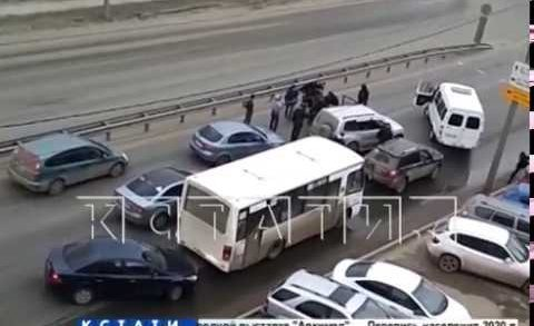Автоматы, стрельба и силовое задержание — спецоперация в Приокском районе.