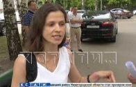 Сидячую забастовку у стен минздрава объявила мать тяжелобольного ребенка