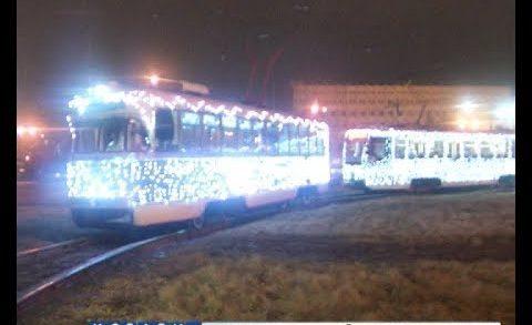 Десант дедов-морозов высадился в Нижегородских трамваях
