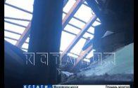Дыру в небо прорубили коммунальщики Советского района вместо ремонта крыши