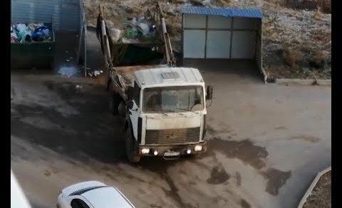 Вместо вывоза один контейнер с мусором меняют на другой — странности в Борском районе