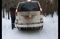 Бывший министр здравоохранения против здорового образа жизни — автомобилем разгоняет лыжников