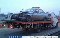 Во время погони со стрельбой полицейские разбили служебный автомобиль, но преступников задержали