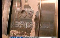 Закупленный по программе капремонта лифт сначала гноили на улице, а потом отдали на разграбление