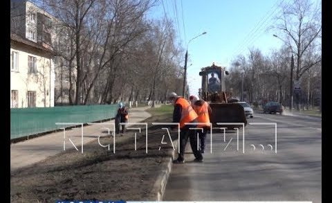 Коммунальные службы приводят город в порядок после зимнего сезона