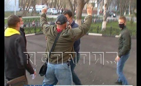 Организатор нелегального хоровода был доставлен в полицию, но силой удержать в полиции его не смогли