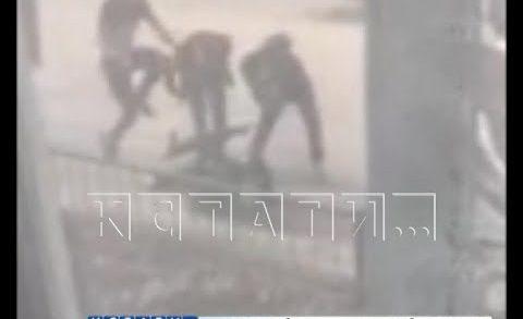 Жестокое избиение прохожих учинили подростки в Арзамасе