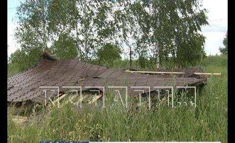 В Богородском районе сильнейший ураган сорвал крыши с домов и разрушил палаточный городок