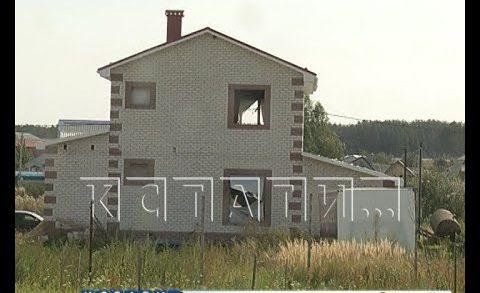 Чтобы избежать обвинений, администрация Шатков переименовала дома многодетных в скотные дворы