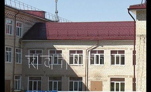 Затянувшийся на два года ремонт крыши едва не сорвал начало учебного года в Княгинино