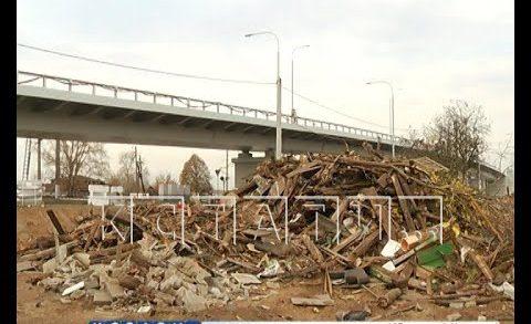 При строительстве новой дороги, без ведома хозяев, снесли дом на три семьи