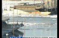 Осенний ледоход разорвал мост между Павлово и Тумботино