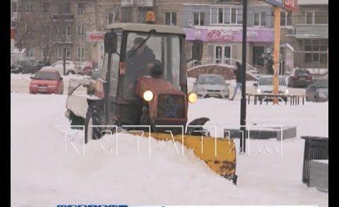 Расчистка снега на дорогах ведется в круглосуточном режиме