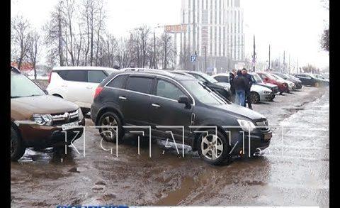 Ради личного удобства водители уничтожают газоны в Нижегородском районе