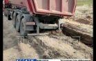 Асфальт в вязкое болото, в котором тонут грузовики, превратили нарушители ПДД в Кстовском районе