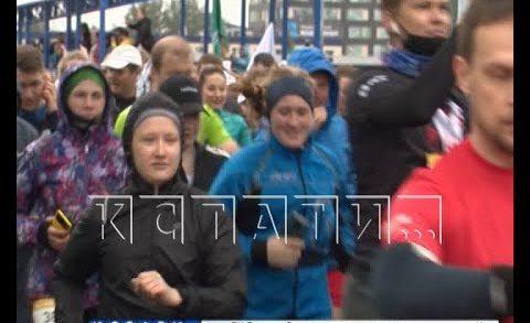 Полторы тысячи бегунов приняли участие в нижегородском полумарафоне