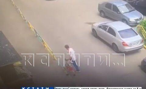 Мужчина похитил ребенка с детской площадки, 7-летнего мальчика нашли у него дома в одном полотенце