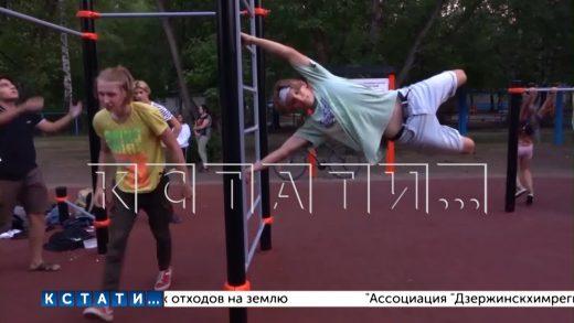 Юрий Шалабаев проверил ход работ по благоустройству в Автозаводском районе