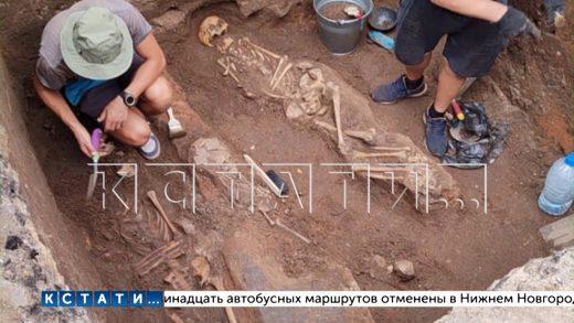 Город на костях — в Арзамасе во время коммунальных работ откопали кладбище