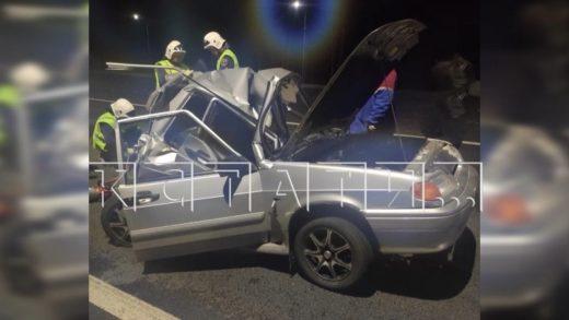 Водитель фуры не заметил людей толкавших автомобиль — трое погибли, подросток в больнице